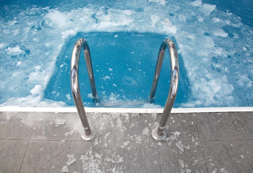 piscina ghiacciata