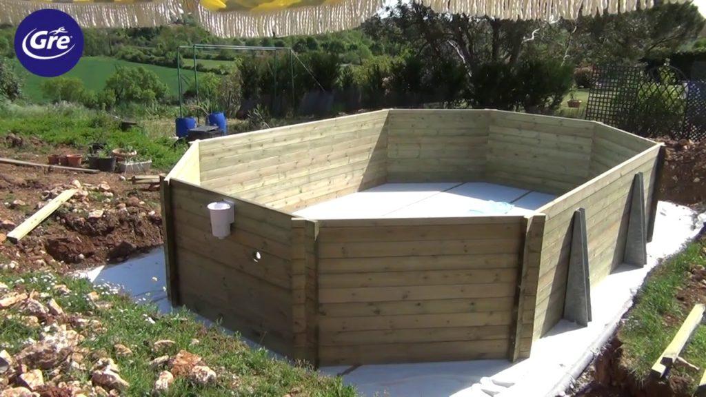 montaggio piscina in legno